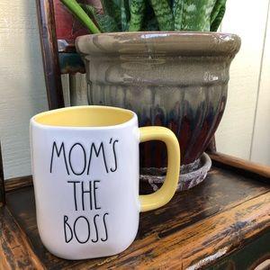 Rae Dunn Mom's The Boss Mug